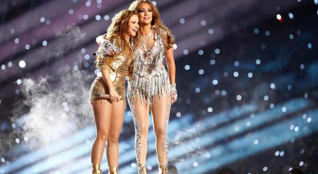 Super Bowl 2020, Shakira e Jennifer Lopez esplosive: ma i social si dividono (Epa)
