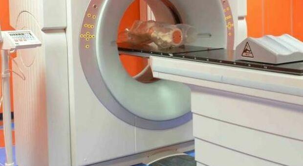Tumori, radioterapia smart vede e colpisce in una sola seduta: prima volta in Italia, funziona per colon e prostata