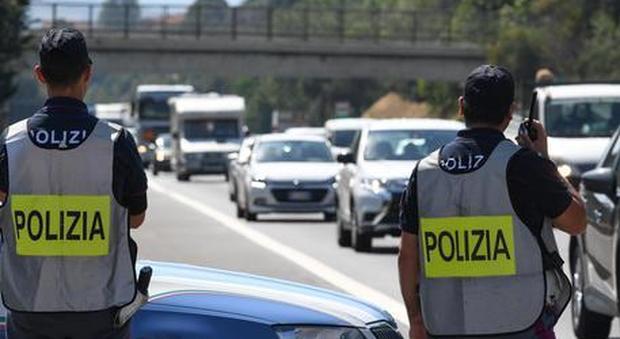 Troppo veloce nell'inseguimento dei ladri: poliziotto condannato per eccesso di velocità