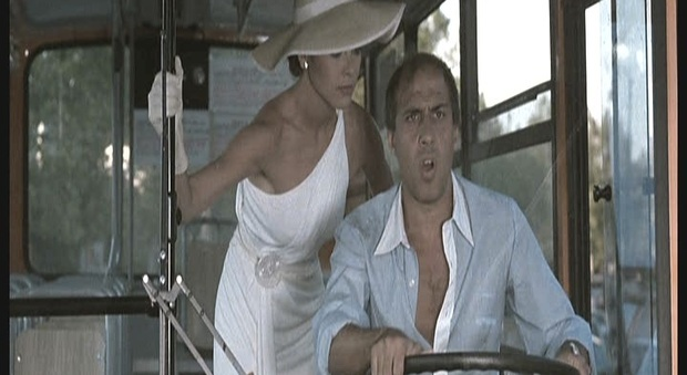 Stasera in tv giovedì 22 luglio su Rete 4, «Innamorato pazzo»: curiosità e trama del film con Adriano Celentano