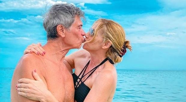 Lorella Cuccarini, 29 anni di nozze con Silvio Testi. La figlia: «Siete i più belli di tutti»