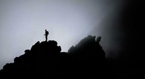 Aosta, due alpinisti precipitano dalla cresta del Rothorn a 3.150 metri di quota: morti