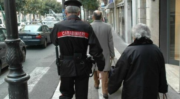 Vaccini, i carabinieri pronti ad aiutare gli anziani nelle prenotazioni