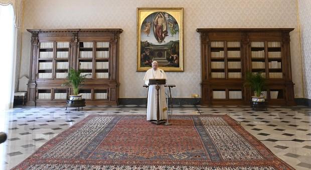 Summit Vaticano per la fase 2 ma si aspetta il nuovo decreto Conte, allarme per i conti