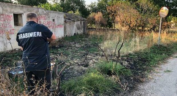Incendia un bosco a Rosciano, incastrato dalle telecamere: arrestato 40enne