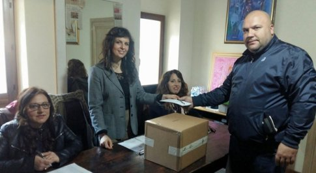 Le operazioni di voto al rione Morlupo