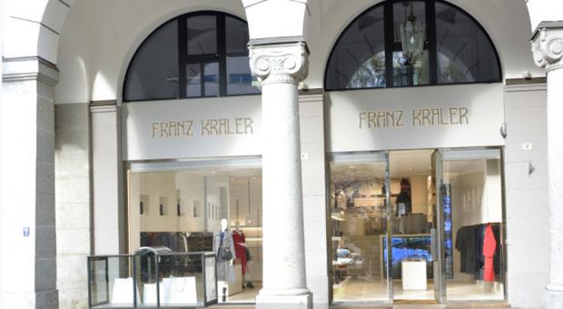 Dpcm, negozio aperto ieri a Bolzano chiude oggi: «Ne è valsa la pena, abbiamo voluto mandare un messaggio»