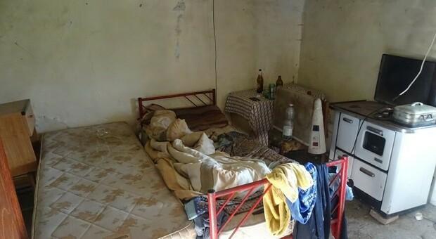Lavoravano senza tutele, costretti a dormire al gelo e tra gli escrementi: primo caso di caporalato a Orvieto