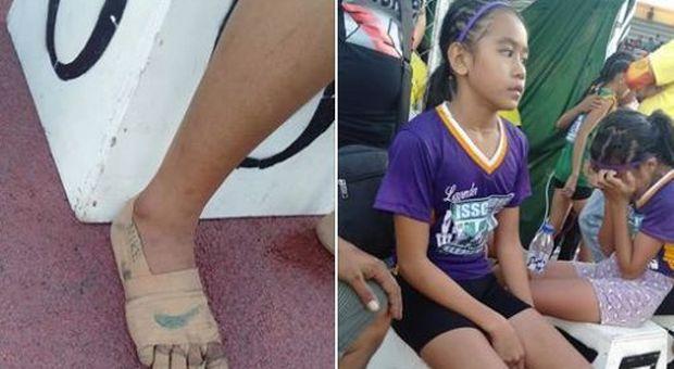 """A 11 anni vince tre medaglie d'oro correndo con le """"Nike"""" disegnate ai piedi"""