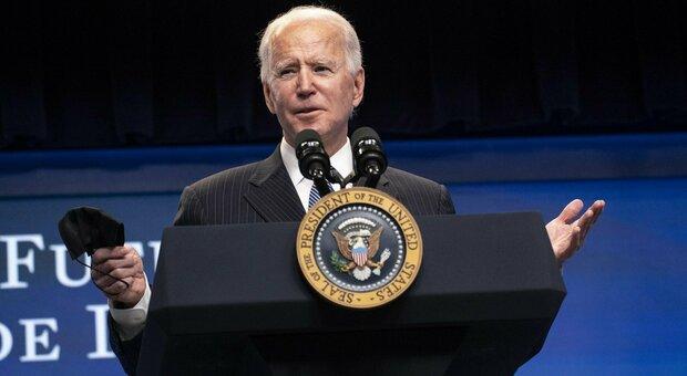 Biden: «L'impeachment va fatto, ma Trump si salverà»