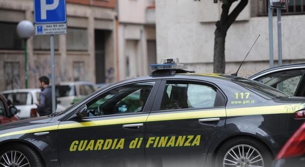Roma, sequestrato un milione di euro a coppia di nomadi che ne dichiarava 120 l'anno