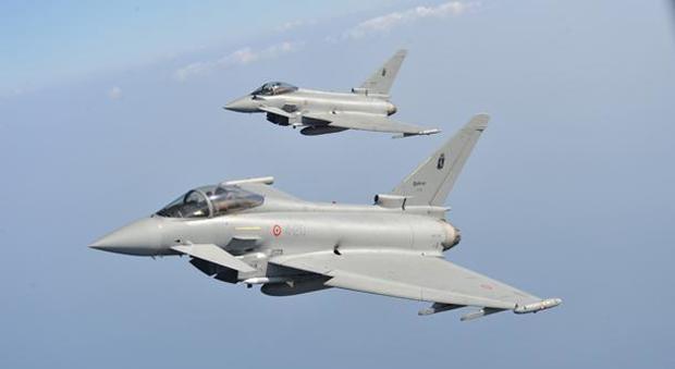 Allarme nei cieli: aereo fantasma intercettato dai caccia italiani Eurofighter