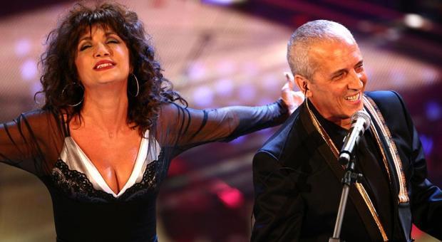Fiorello canta Montagne Verdi, ma Marcella Bella a Sanremo non c'è