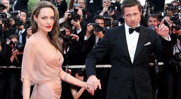 Brad Pitt e Angelina Jolie: lui ottiene la custodia congiunta dei figli, ma lei promette battaglia