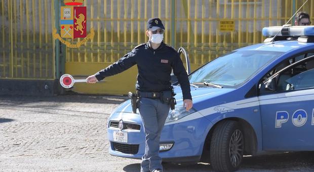 """Polizia ad """"Alto impatto"""": controlli, multe e sequestri. Arrestato 49enne per evasione"""