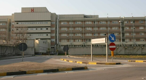 Manca il personale, reparto di Medicina a rischio all'ospedale di Fondi