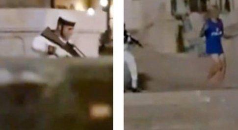 Italia-Inghilterra, tifoso scavalca l'Altare della Patria a Roma: militare gli punta mitra addosso per farlo allontanare