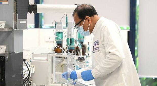 Covid, Vaccini: due dosi Pfizer e AstraZeneca proteggono anche dalla variante Delta
