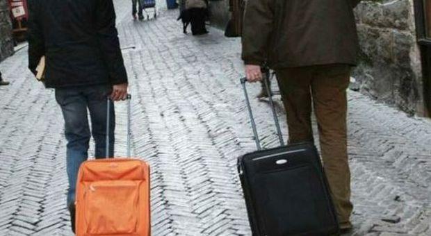 Venezia, stop ai trolley ai turisti. Troppo rumorosi, disturbano il sonno