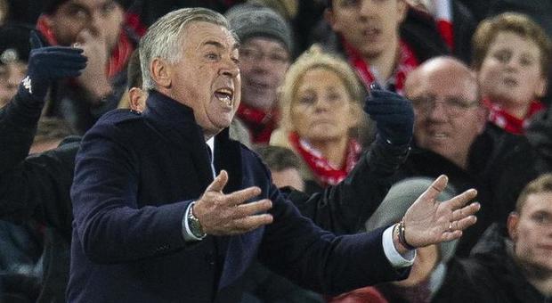 Napoli, De Laurentiis allenta la pressione: