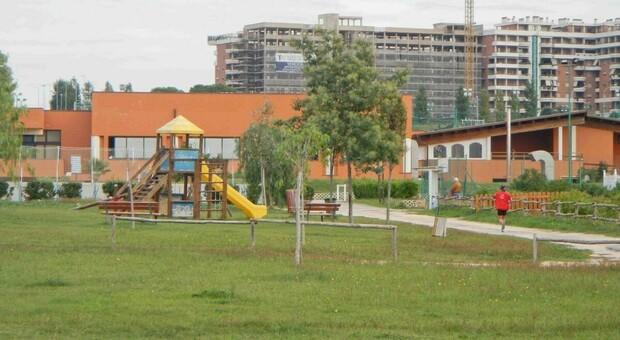 Svolta nel giallo del Parco della Madonnetta: fermato un clochard che avrebbe inseguito i ragazzi con una mazza di ferro
