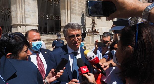 Raffaele Cantone giura come nuovo procuratore di Perugia. «Prometto il mio impegno. E non solo per l'inchiesta su Palamara»