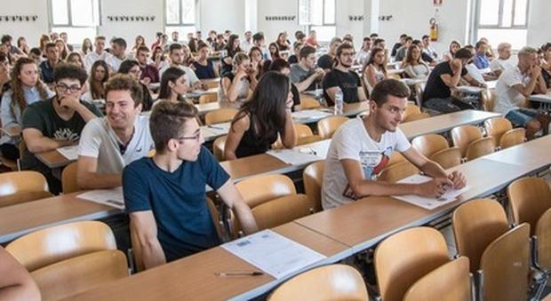 Università, Eurostat: Italia ancora penultima per laureati nell'Ue, solo uno su sei