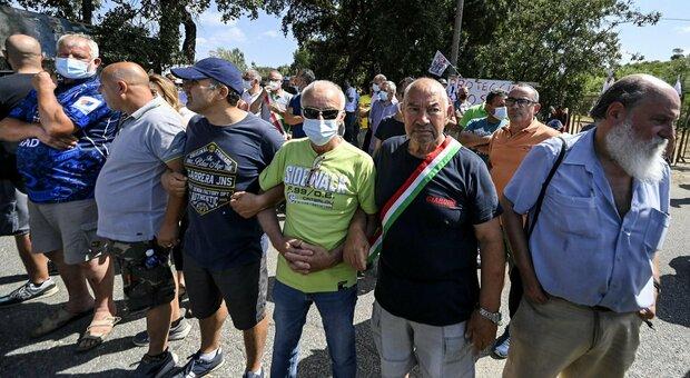 Albano, esplode la protesta contro la discarica