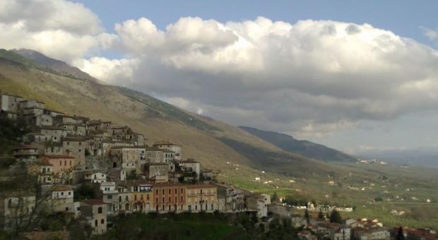 San Donato, il sindaco: «Ancora qualcuno in giro, più controlli per fermarli»