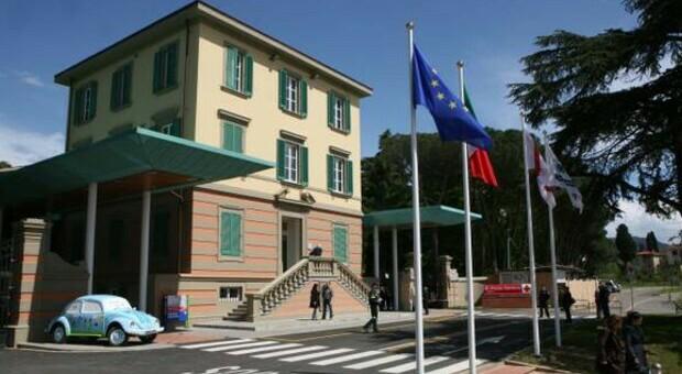 Firenze, caso grave di Covid in una 14enne: è ricoverata in rianimazione