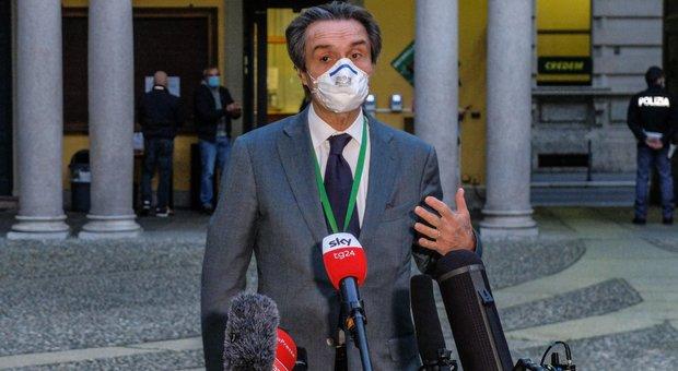 Lombardia, mascherina obbligatoria sino al 14 luglio. Fontana: «Lo chiedono i virologi»
