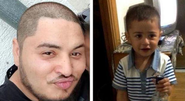 Bimbo ucciso a Milano, la terribile verità dell'autopsia: «Il padre l'ha torturato. Sui piedi bruciature di sigarette»