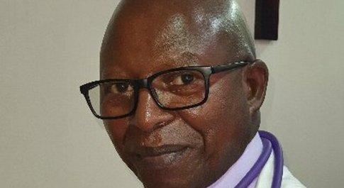 Covid, medico no-vax muore in Kenya: proponeva l'inalazione di vapori come tecnica di cura