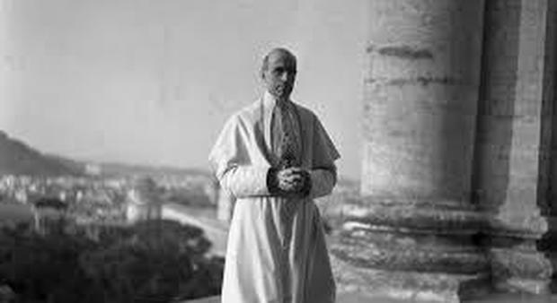 Prime carte archivi vaticani: «Pio XII aiutò gli ebrei». Il rabbino capo di Roma: «Si riveleranno un boomerang»