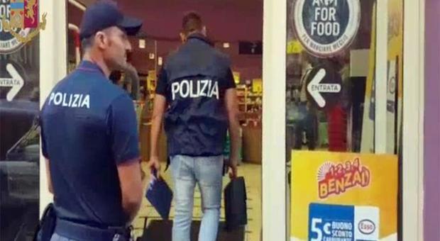 """Riciclaggio e spaccio: gli """"affari"""" delle famiglie di 'ndrangheta entrate nella Capitale"""