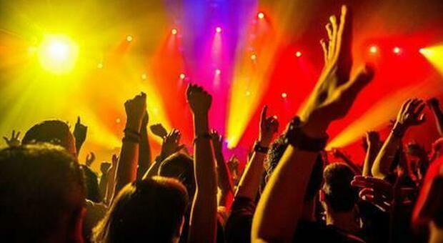Coronavirus, Ibiza: stop alle feste, multe fino a 600 mila euro per chi le organizza senza autorizzazione