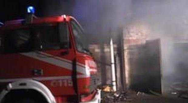 Roma. Incendio teatro a Ostia, Zingaretti: «Sarà presisidio difesa legalità»
