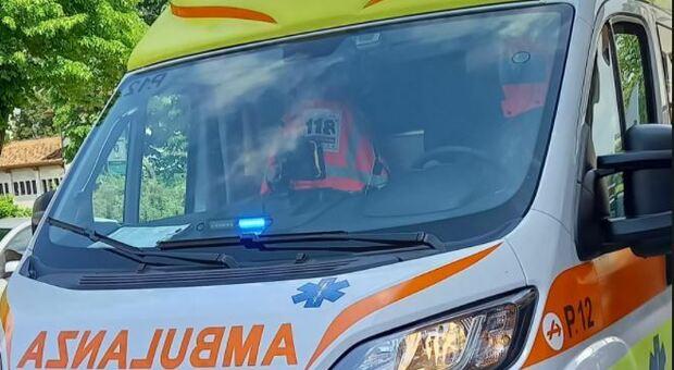 Rapina un automobilista e poi gli viene un infarto: salvato dalla vittima del furto a Brescia