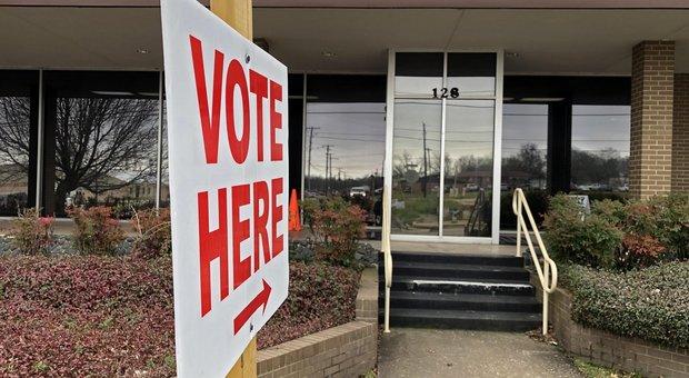 Effetto coronavirus sul SuperTuesday, cambiano le regole per chi vota all'estero