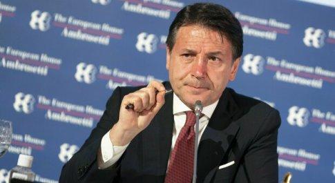 Sondaggi politici: gradimento per Conte al 62%, poi Speranza. In crescita Salvini e Meloni