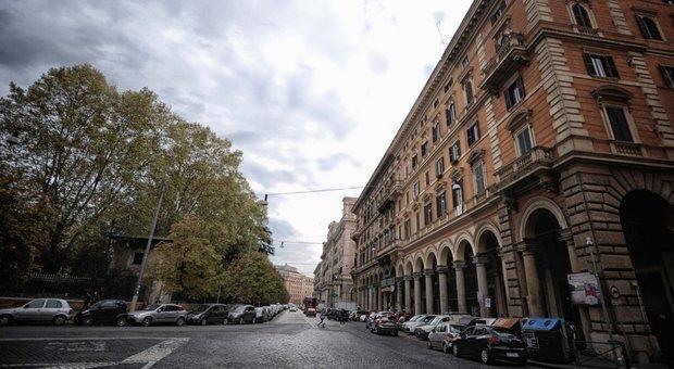 Una veduta di piazza Vittorio all'Esquilino