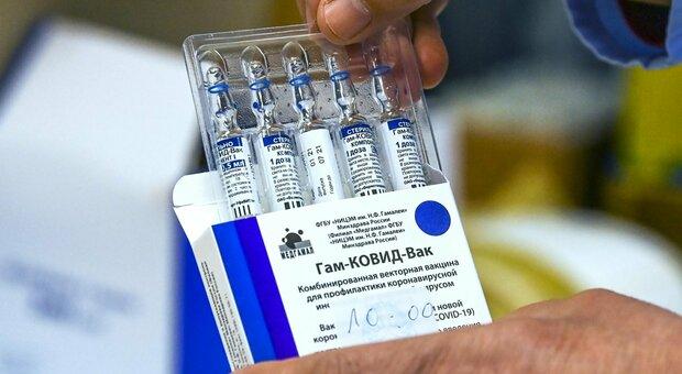 Vaccini, il commissario europeo Breton: «Ue non avrà bisogno di Sputnik, immunità a giugno»