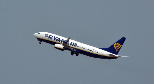 Ryanair: Antitrust indaga sui costi dei bagagli a mano