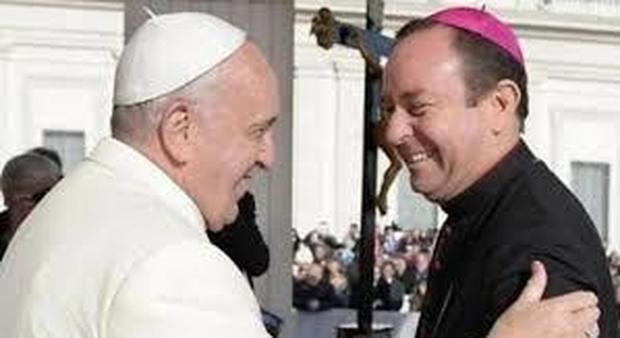 Abusi, al ritiro spirituale con Papa Francesco anche il vescovo argentino sotto indagine