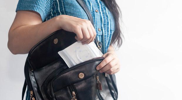 Il ciclo femminile in Scozia sarà più leggero: fa un passo avanti la legge per gli assorbenti gratis