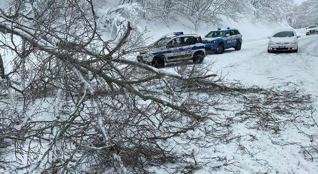 Maltempo e tanta neve al Terminillo, in prima linea anche gli uomini della Municipale di Rieti