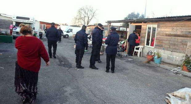 Roma, rom attaccano tre scuole: lanci di pietre contro gli studenti