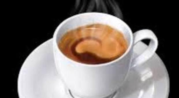Caffè, 2 o 3 tazze al giorno diminuiscono rischio depressione nelle donne
