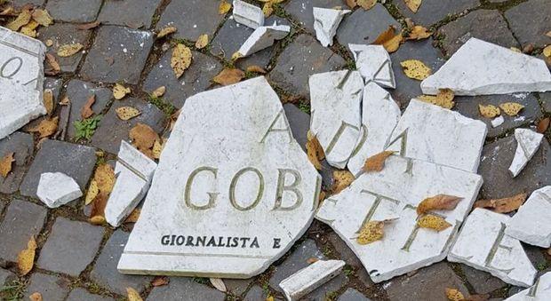 Roma, distrutta nella notte la targa dedicata a Ada Gobetti a Villa Pamphilij