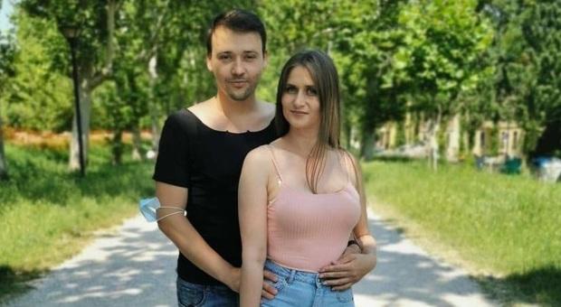 Ferrara, Cristina e Boris morti insieme in un incidente in moto: erano sposati da sei mesi